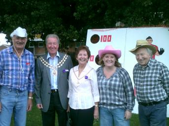 Mike, Vicky and Reg with the Mayor & Mayoress Trevor and Ruth Cartwright