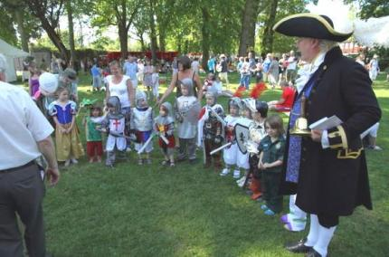 Barry Roberts, the Town Crier and the Fancy Dress competition