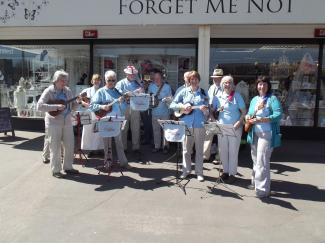 Stokes Bay Strummers in Stubbington