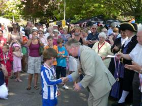 The winning Team Captain receiving his medal from the Mayor of Fareham